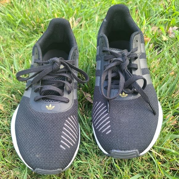adidas lightweight walking shoes